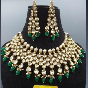 Fine Kundan Necklace Set